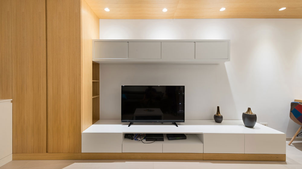 smart tv and entertainment unit with downlights